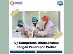 { S M A K - M A K A S S A R} : Uji Kompetensi dilaksanakan dengan penerapan prokes