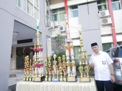 Upacara Penyerahan Piala Bergilir Lomba Gerak Jalan Indah Saka Bhayangkara Ranting Biringkanaya