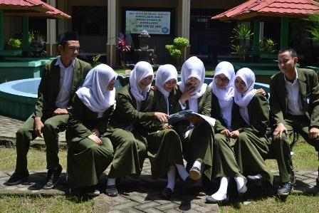 Siswa Siswi SMK SMAK Makassar
